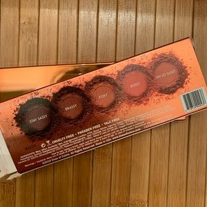 Dose of color Sassy Siena eyeshadow palette